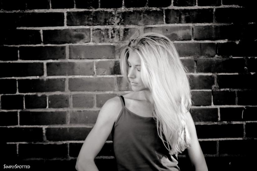 Liza - Black & White